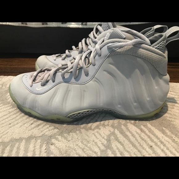 "watch d260b 027ae Nike Air Foamposite ""Grey Suede"""